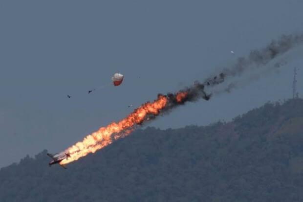 เครื่องบินระเบิด